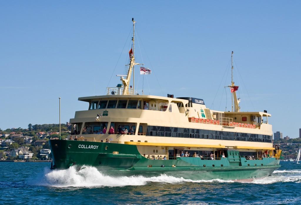 Sydney_Ferry_Collaroy_1_-_Nov_2008
